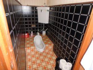 千葉県鴨川市内浦の古家付売地 海近で釣りの拠点や賃貸など 南総ユニオン株式会社 2階トイレは和でした