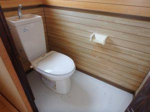 千葉県鴨川市の売別荘 南房総の中古住宅 南総ユニオン株式会社 水洗浄化槽です