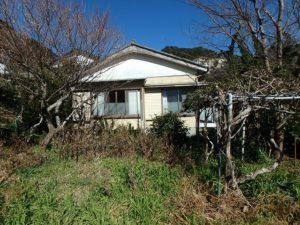 鴨川市の中古住宅 海が見える売家 南総ユニオン株式会社 荒れてますが南側の菜園
