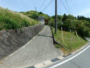 千葉県鴨川市の売別荘 南房総の中古住宅 南総ユニオン株式会社 公道から見るとこんな感じです