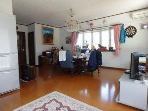 千葉県勝浦市上植野の中古住宅 勝浦市の売別荘 南総ユニオン株式会社 リビングスペースです