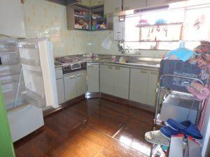 館山市の中古住宅 南房総の別荘 南総ユニオン株式会社 キッチンはL型広め