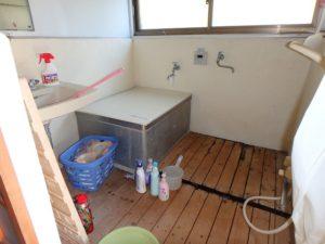 千葉県館山市の中古住宅 南房総の古民家 南総ユニオン株式会社 浴室は後からの増築ですね