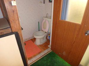千葉県館山市の中古住宅 南房総の古民家 南総ユニオン株式会社 トイレは合計2か所に