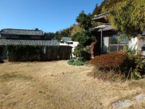 千葉県館山市の中古住宅 南房総の古民家 南総ユニオン株式会社 母屋前は芝敷きです