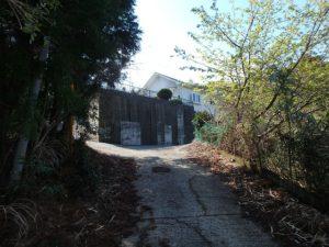 千葉県勝浦市上植野の中古住宅 勝浦市の売別荘 南総ユニオン株式会社 進入路はこんな感じです