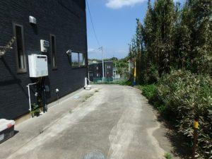 千葉県館山市加賀名の売家 館山の不動産 海が見える別荘 南総ユニオン株式会社 駐車スペースもあります