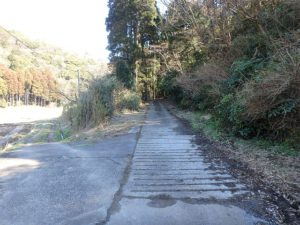 千葉県君津市大井の不動産 君津の山林 南総ユニオン株式会社 この公道から入っていきます
