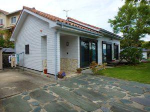 千葉県鴨川市の不動産 鴨川の別荘 南総ユニオン株式会社 洋瓦の素敵な建物です