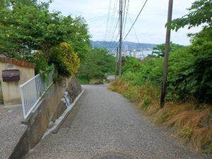 千葉県鴨川市の不動産 鴨川の別荘 南総ユニオン株式会社 南東側の接道はこんな感じ