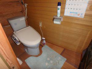 千葉県館山市岡田の中古住宅 売りログハウス 南房総の別荘や移住として 南総ユニオン株式会社 トイレは簡易水洗です