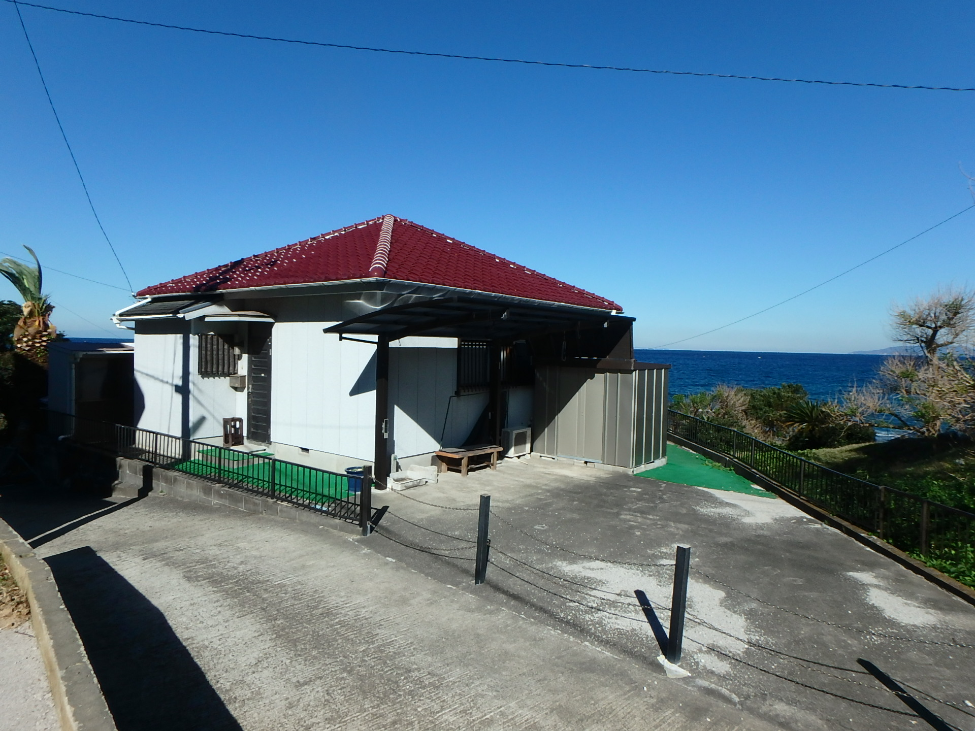 千葉県館山市波左間の海沿い物件 海が前の戸建て