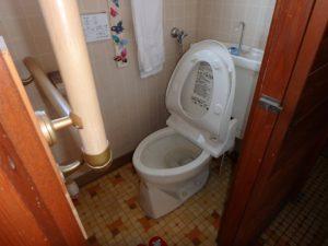 千葉県富津市萩生の売家 富津の中古住宅 海近の家 南総ユニオン株式会社 トイレは少し狭め