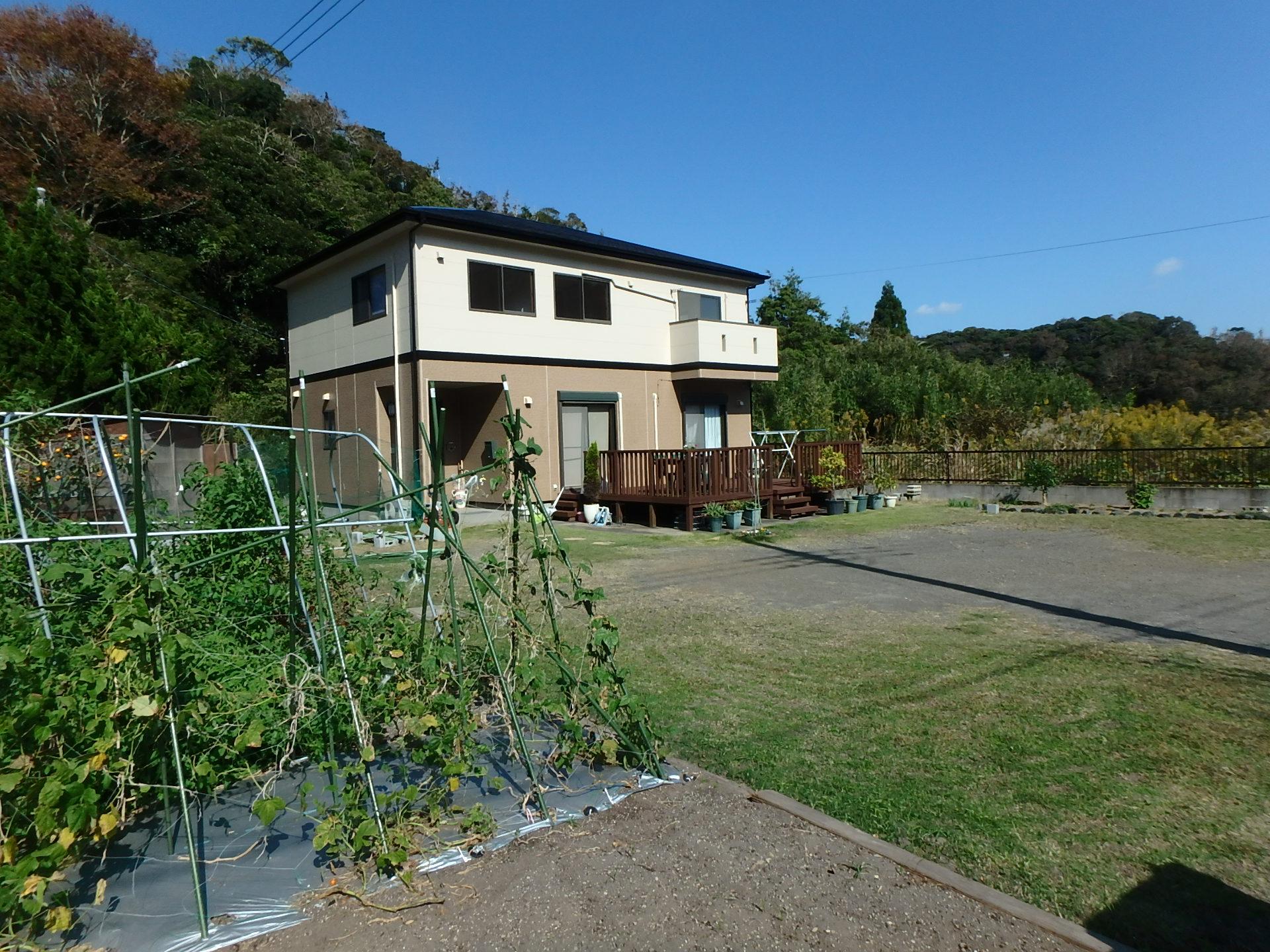 千葉県南房総市和田町中三原の中古物件 田舎暮らしの不動産 広い庭