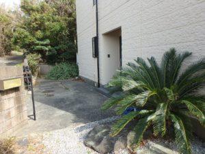 千葉県館山市布沼の中古住宅 南房総の別荘 戸建て 外回りを見てみます