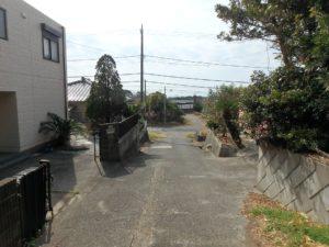 千葉県館山市布沼の中古住宅 南房総の別荘 戸建て 南側は公道に面してます