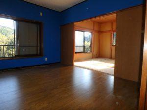 千葉県南房総市上滝田の中古住宅 南房総の不動産 お店付物件 2階は和洋各1室です