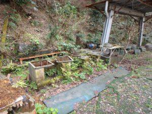 千葉県南房総市千倉町川戸の土地、上物付き 山の中にポツンと一軒家 隣はBBQスペースだな