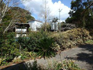 千葉県南房総市千倉町川戸の土地、上物付き 山の中にポツンと一軒家 入口の方に戻ってきました