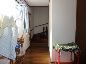 千葉県南房総市千倉町川戸の土地、上物付き 山の中にポツンと一軒家 2階へ上がる階段は2か所
