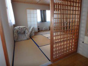 千葉県南房総市千倉町川戸の土地、上物付き 山の中にポツンと一軒家 宿みたいな和室ですね
