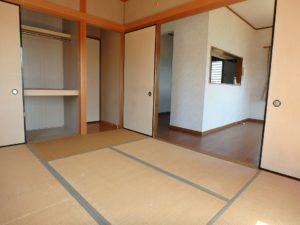 千葉県安房郡鋸南町元名の中古物件 道の駅保田小学校近く 1階居室は南に面します