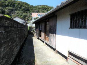 千葉県南房総市和田町仁我浦の中古住宅 南房総の物件 海の近く 次に外回りを見てみます