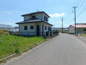 千葉県安房郡鋸南町元名の中古物件 道の駅保田小学校近く 接道も広くて安心