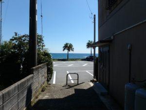 千葉県南房総市和田町仁我浦の中古住宅 南房総の物件 海の近く 路地を進むと海へ