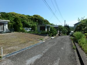 千葉県館山市波左間の別荘物件 南房総の中古住宅 海近くの不動産 進入方向のようす