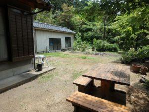 千葉県南房総市和田町上三原の不動産 畑付き中古物件 南房総田舎暮らし 母屋南側の庭です