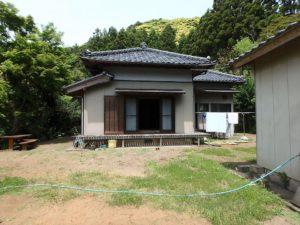 千葉県南房総市和田町上三原の不動産 畑付き中古物件 南房総田舎暮らし 寄棟の立派な日本家屋です