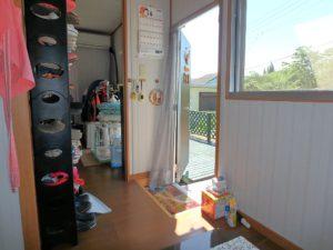 千葉県館山市波左間の別荘物件 南房総の中古住宅 海近くの不動産 1DKタイプの簡易住宅ですね
