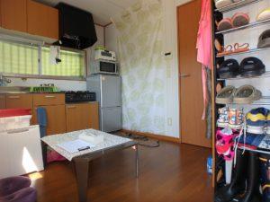 千葉県館山市波左間の別荘物件 南房総の中古住宅 海近くの不動産 西側はダイニングキッチン
