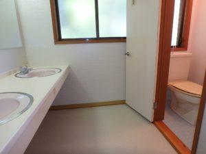 千葉県安房郡鋸南町下佐久間の別荘 南房総の不動産 果樹生活 田舎暮らし 2階のトイレは洋式