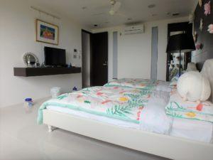 千葉県館山市坂井の豪華高級別荘 海一望の物件 館山の海が見える中古 ホテルサイズですね