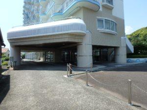 千葉県鴨川市東江見のリゾートマンション、鴨川の不動産、南房総の海が見える物件 マンション内に入ります