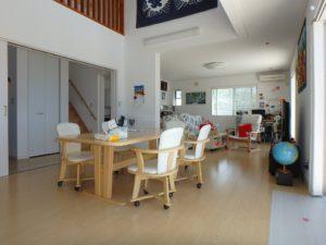 千葉県南房総市白浜町 海一望の物件 海が見える別荘 おしゃれな家 1階は床暖房完備です