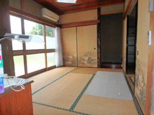 千葉県館山市の不動産 中古住宅 海が見える物件 田舎暮らし 玄関左手は和室二間