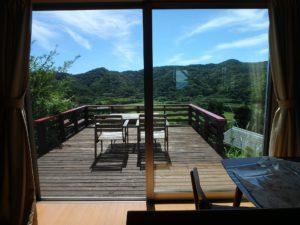 千葉県館山市加賀名ポピーランドの別荘 海一望の物件 海が見える不動産 LDKからは山の眺望