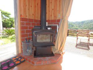千葉県館山市加賀名ポピーランドの別荘 海一望の物件 海が見える不動産 暖炉まであります