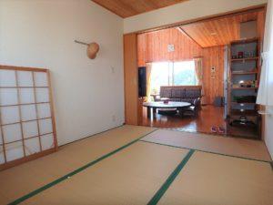千葉県館山市加賀名ポピーランドの別荘 海一望の物件 海が見える不動産 LDKと合わせて開放感ある