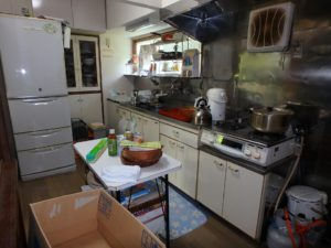 千葉県館山市長須賀の中古住宅 館山の不動産 キッチンのようす