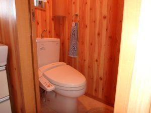 千葉県館山市加賀名ポピーランドの別荘 海一望の物件 海が見える不動産 トイレも清潔感あります