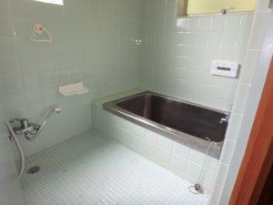 千葉県館山市館山の不動産 中古住宅 館山の別荘 浴室はこのまま行けそうです