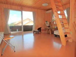 千葉県館山市加賀名ポピーランドの別荘 海一望の物件 海が見える不動産 2階は約16帖程の洋室