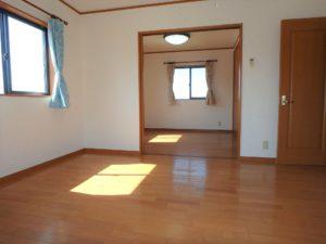 千葉県館山市加賀名の不動産 館山ポピーランドの中古住宅 海一望海が見える物件 仕切れば2部屋に