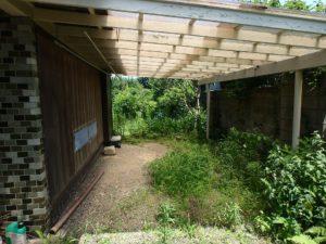 千葉県館山市長須賀の中古住宅 館山の不動産 屋根付きの駐車場