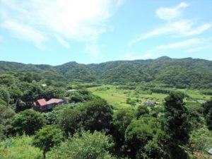 千葉県館山市加賀名ポピーランドの別荘 海一望の物件 海が見える不動産 バスからは山の景色
