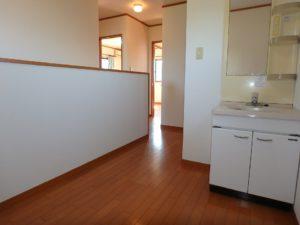 千葉県館山市加賀名の不動産 館山ポピーランドの中古住宅 海一望海が見える物件 ここにトイレと洗面台